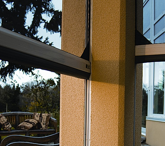 Executive Motorized Retractable Screens Retracting