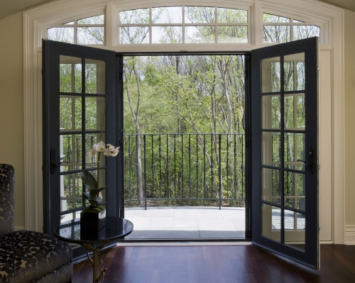Professional Series Retractable Screens Retracting